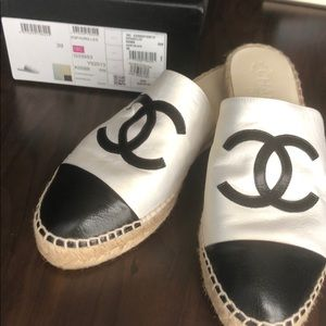 Chanel mules black and white new 39